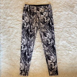 Knockout by Victoria Secret Marble leggings